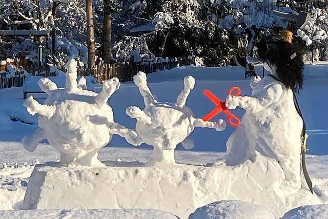 In Hausen kämpft ein tapferer Schneemann gegen das Corona-Virus