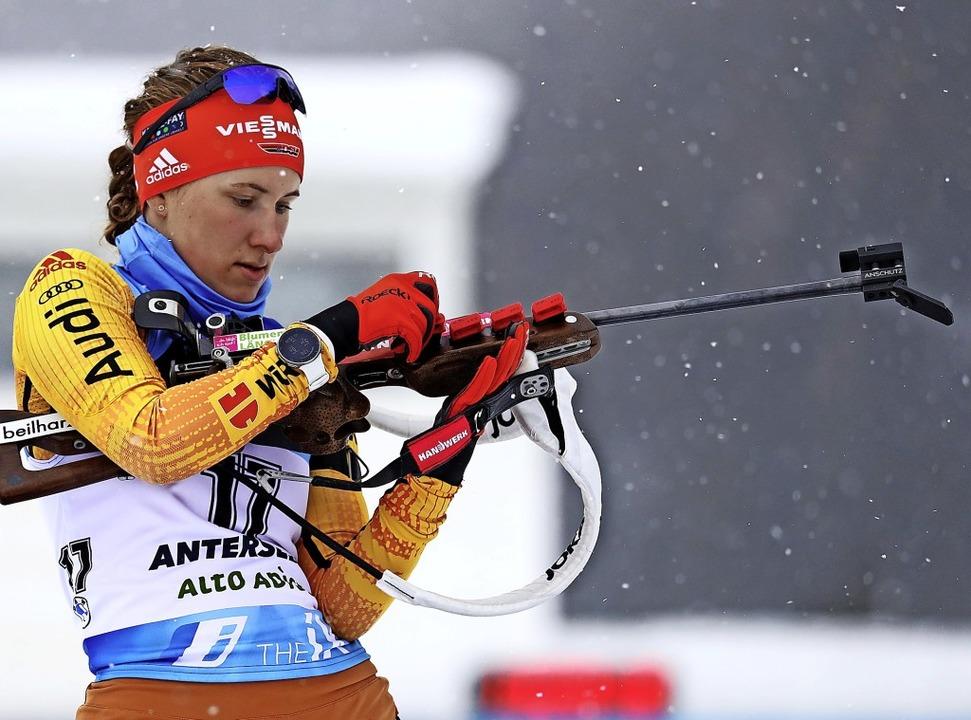 Generalprobe geglückt: Die Schwarzwäld...anina Hettich beim Weltcup in Antholz   | Foto: Matthias Schrader (dpa)