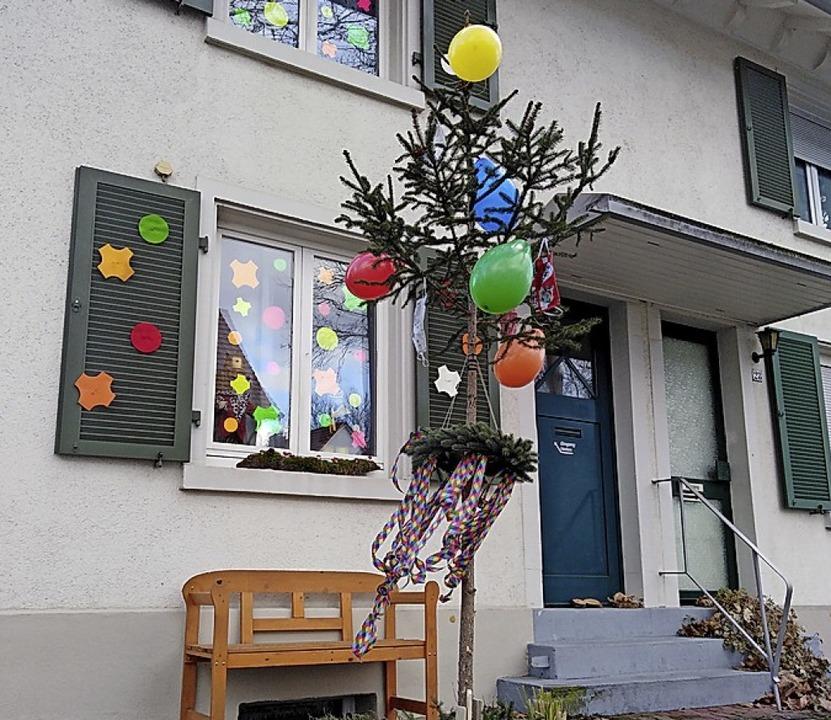Dieses bunte Deko-Beispiel ist in der Kaiserstraße zu beobachten.  | Foto: Privat