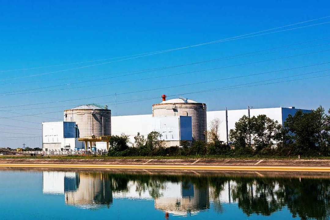 Die stillgelegten Reaktorblöcke des Akw Fessenheim   | Foto: Philipp von Ditfurth (dpa)