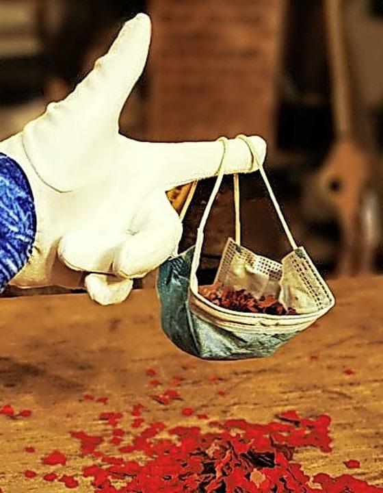 Konfetti im Mäskle    Foto: Rhywaggis Clique