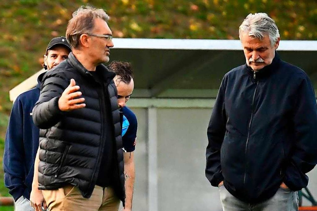 Gehen weiter gemeinsam den Weg beim FC...nd Vereinsvorsitzender Michael Kuwert.  | Foto: Achim Keller