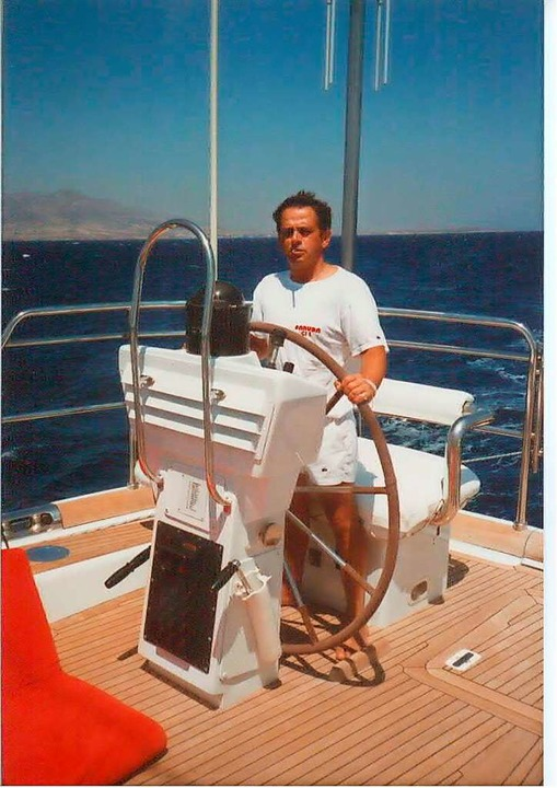Am Ruder der Burda-Yacht Geruda  | Foto: Privat