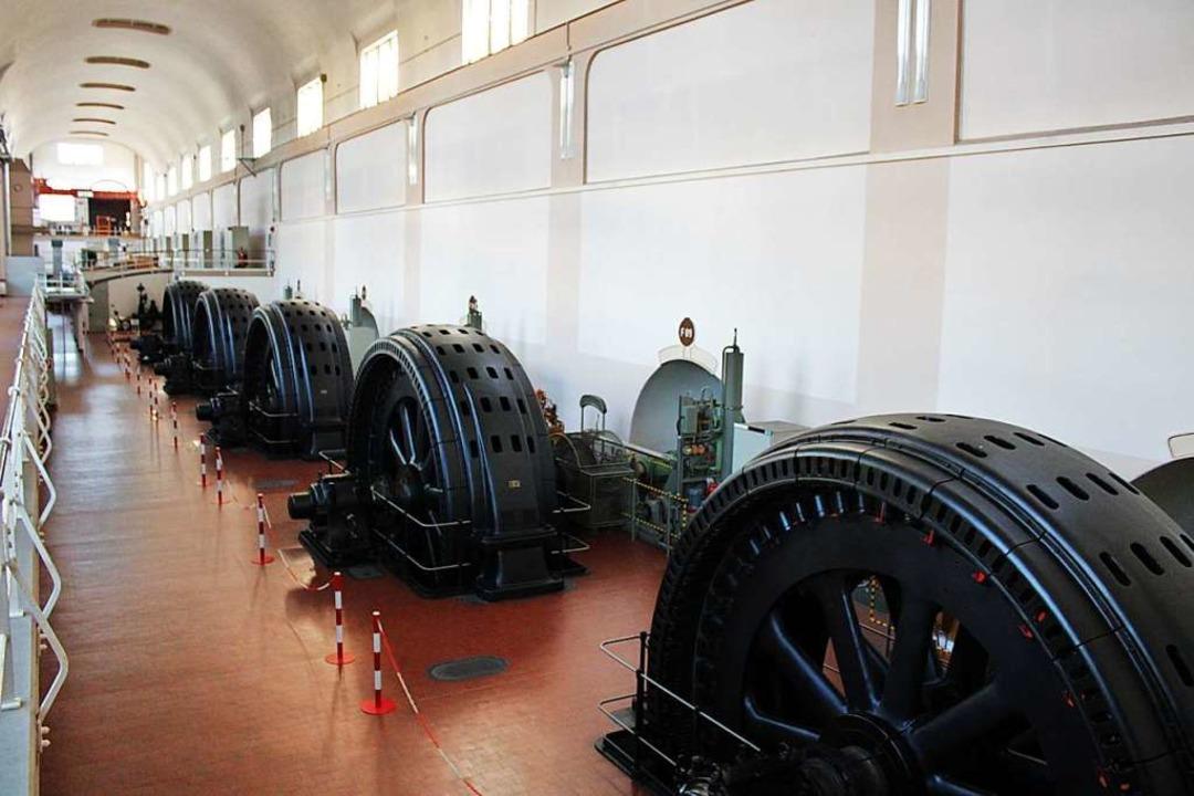 Das  bald 110-jährige Kraftwerk Wyhlen...urbinen dazu liegen eine Etage tiefer.  | Foto: Rolf Reißmann
