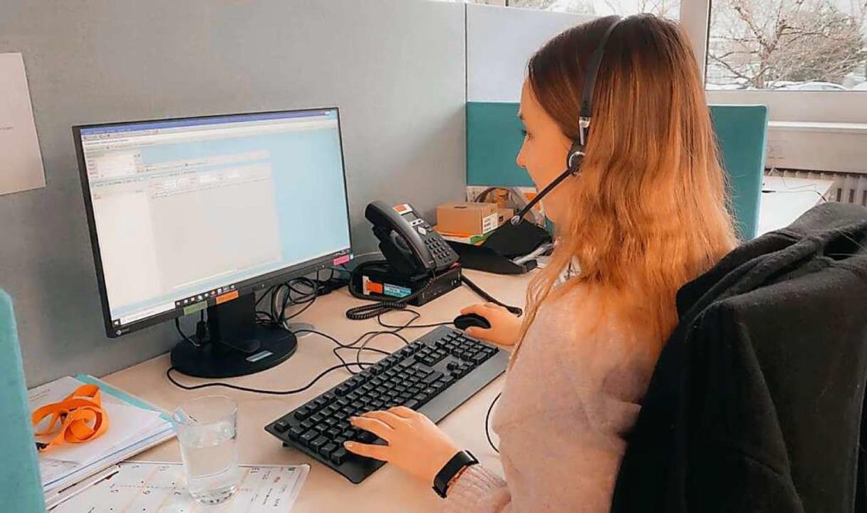 Auch Leah ist bereit für die Anrufe der Kunden.  | Foto: Leah H.