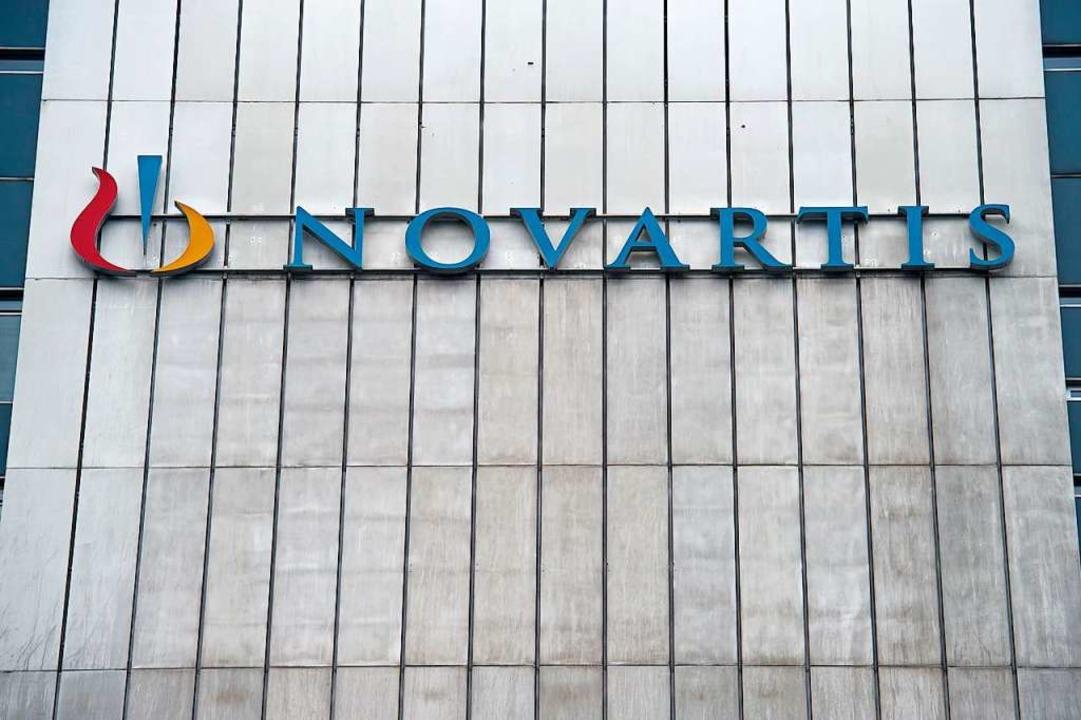 Novartis-Schriftzug an einem Gebäude in Basel  | Foto: SEBASTIEN BOZON (AFP)