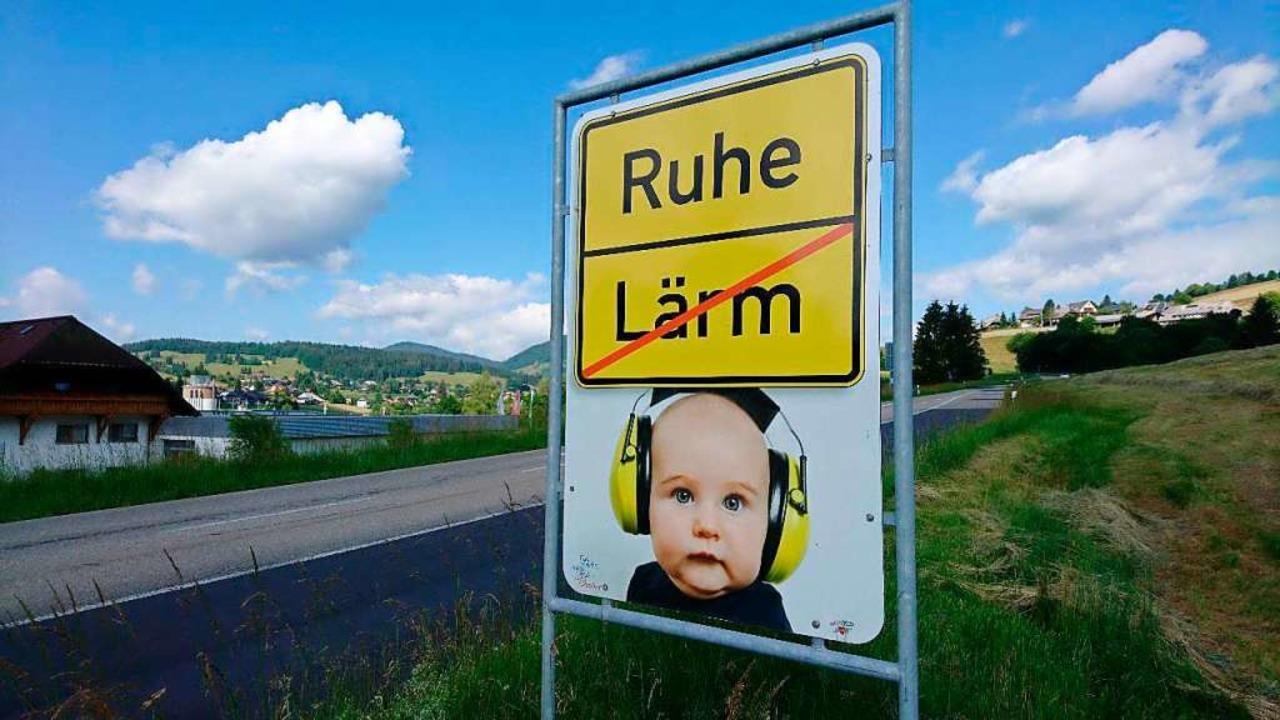 Zeichen setzen:  Der Gemeinderat forde...nehmenden Verkehrslärm zu unternehmen.    Foto: Sebastian Barthme