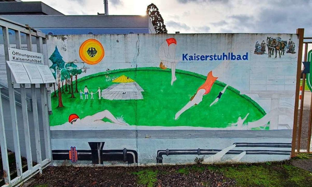 Die Gemeinde Ihringen wartet auf Förde...er zur Sanierung des Kaiserstuhlbades.  | Foto: Julius Wilhelm Steckmeister