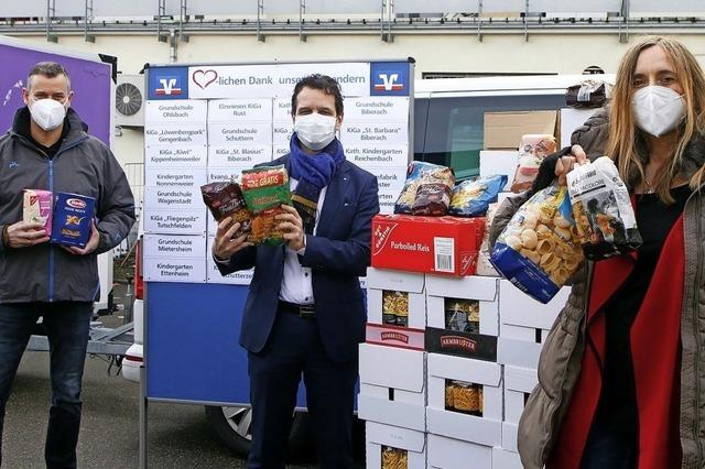 Volksbank Lahr übergibt Nudeln