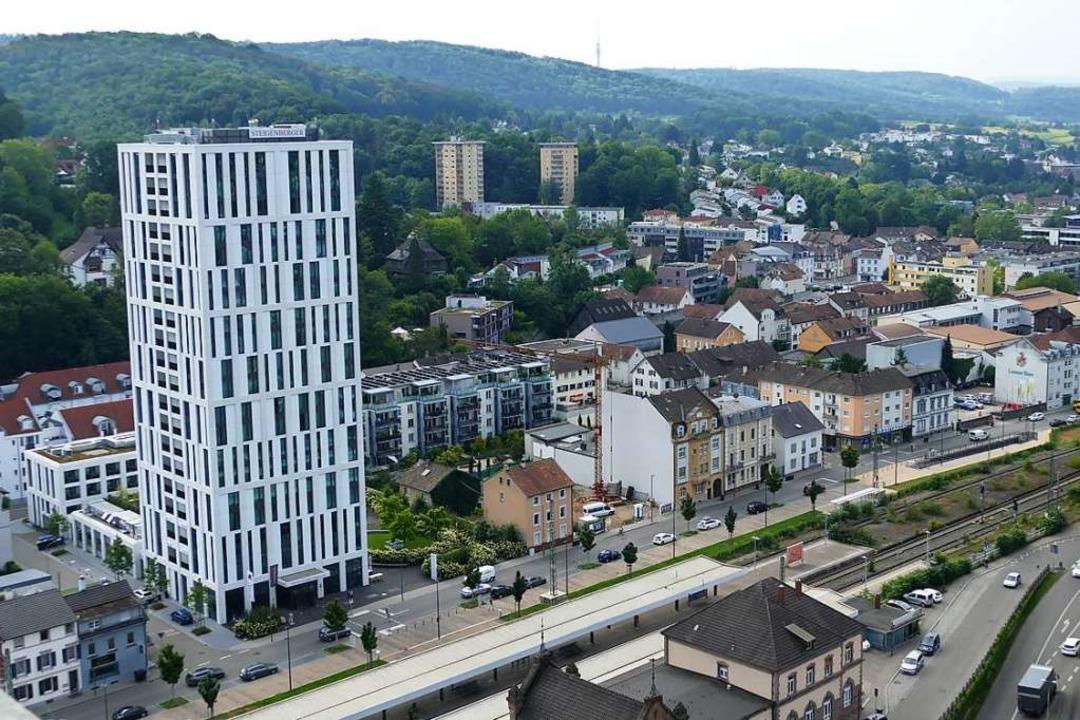 Das markante Steigenberger-Hotel in Lörrach    Foto: Sabine Ehrentreich