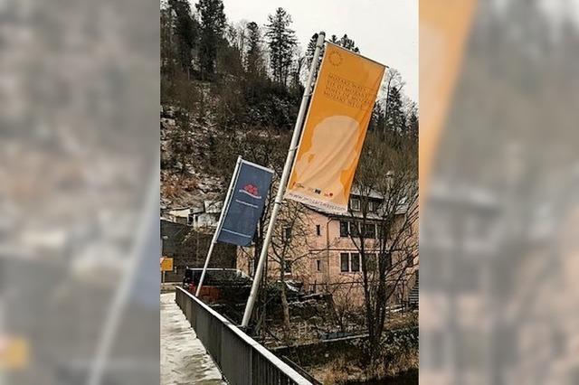 Die Stadt Zell zeigt als Mozart-Ort Flagge
