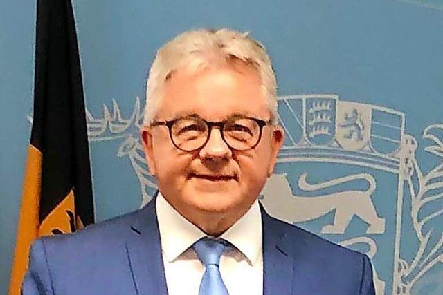 Minister Guido Wolf reagiert auf die Kritik aus Ringsheim und Rust