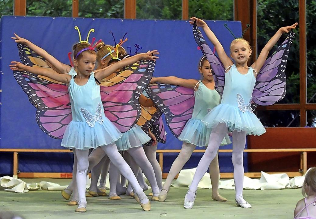 Mädchen  bei einer Soirée des TV Lahr im Stadtpark    Foto: Wolfgang Künstle