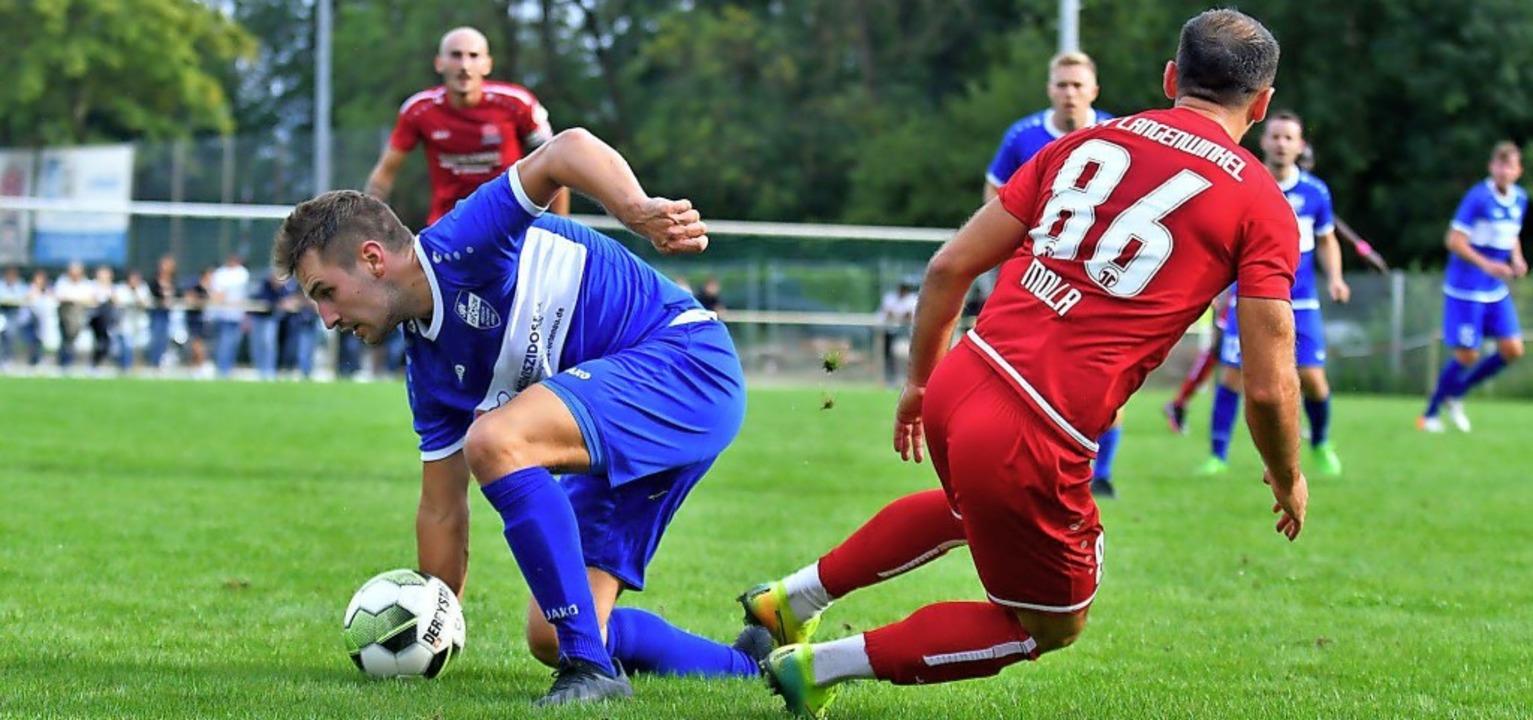 Kai Erhardt (links) und der SV Nieders...mäßig für Spektakel in ihren Spielen.   | Foto: Wolfgang Künstle