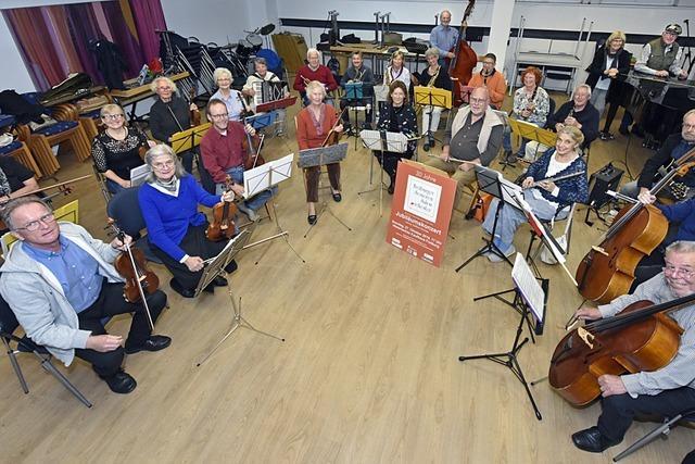 Senioren-Salonorchester aus Freiburg-Haslach feiert 30. Geburtstag