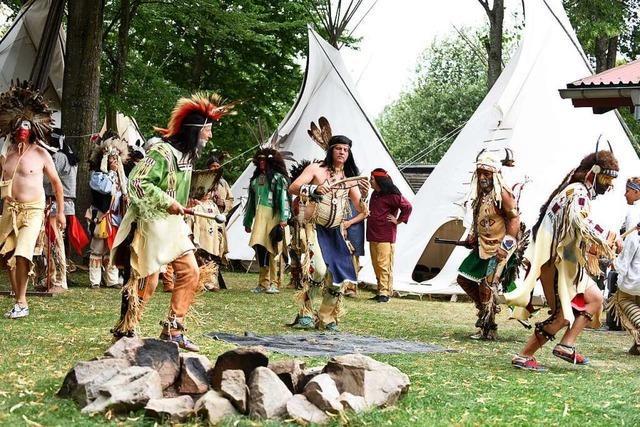 Freiburger Indianerverein der Mescalero-Apachen setzt auf Geselligkeit