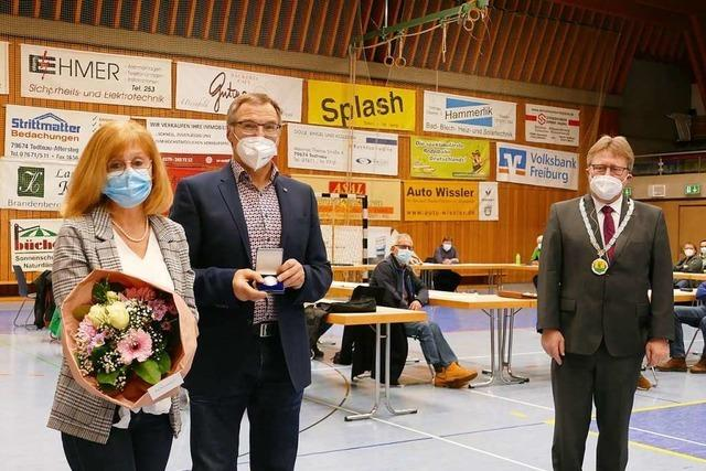 Reiner Trojan erhält die Bürgermedaille der Stadt Todtnau