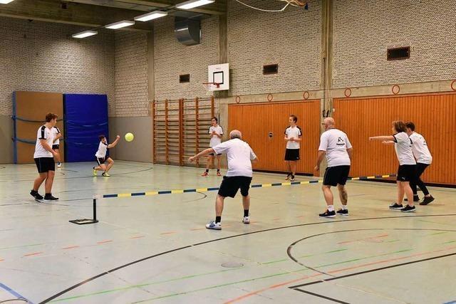 Die Sportart Prellball ist ein Spiel für 11- bis 77-Jährige