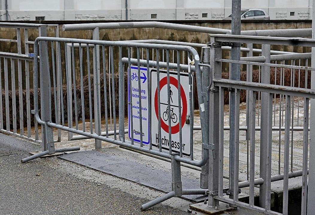 Im Laufe des Freitags wurde die Halbsc...e durch ein Vollformat-Gitter ergänzt.  | Foto: Ingo Schneider