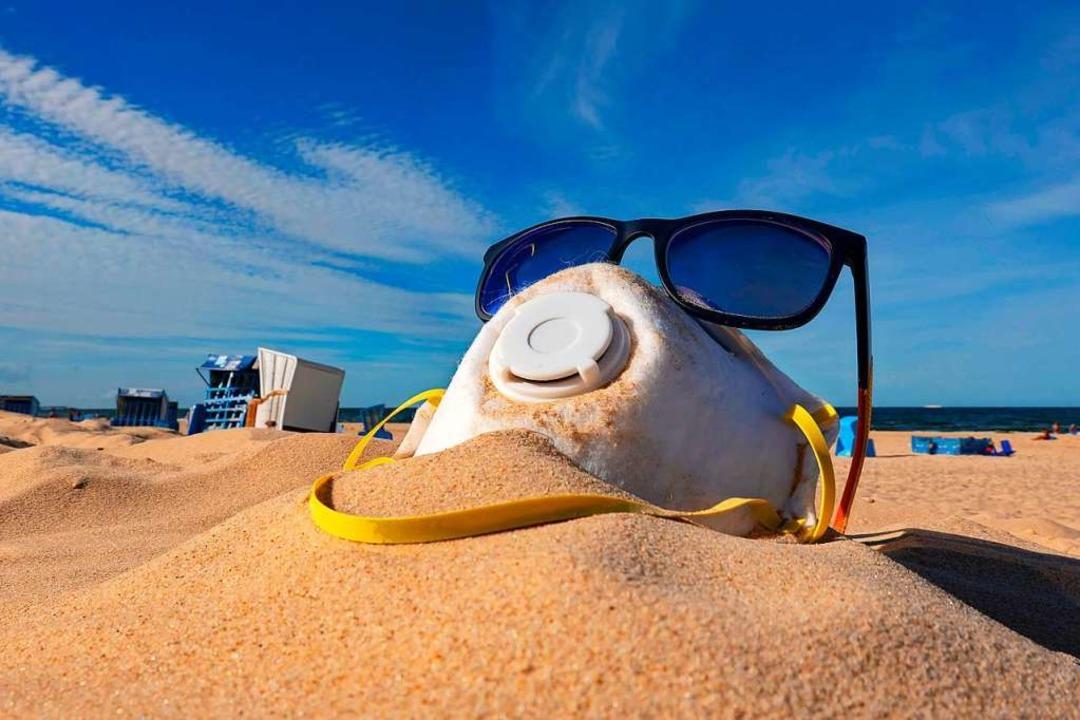 Sonnenbrille für die Schutzmaske? Den ...ichern ist gerade schwer wie noch nie.  | Foto: photo2000 via www.imago-images.de