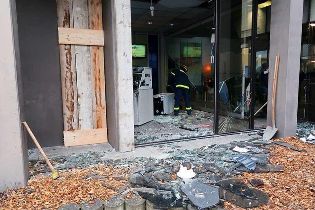 Täter sprengen in Ihringen Geldautomaten in die Luft