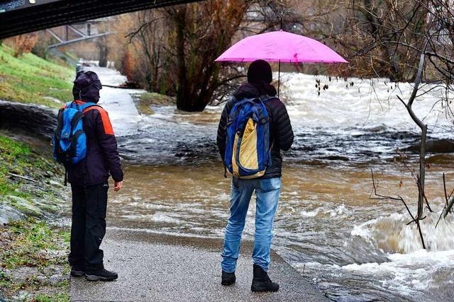 Hochwasserlage in Freiburg entspannt sich nach dramatischen Situationen