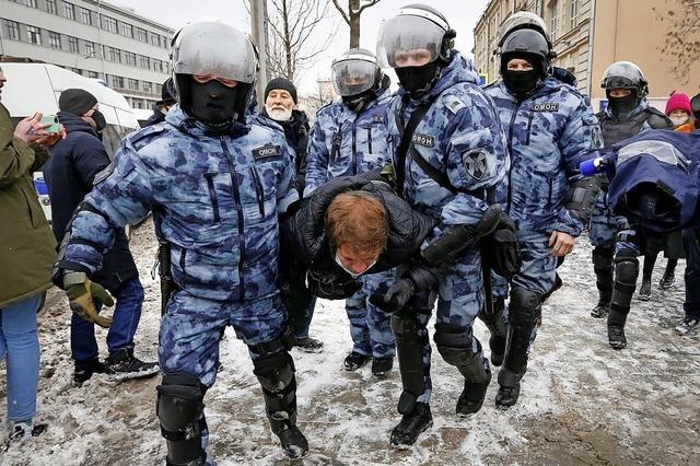 Kreml geht hart gegen Proteste vor