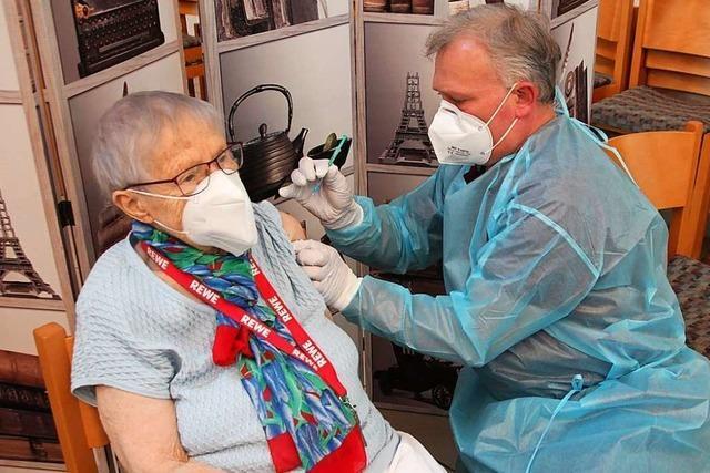 Von der Aufklärung bis zum Piks: Unterwegs mit einem mobilen Impfteam