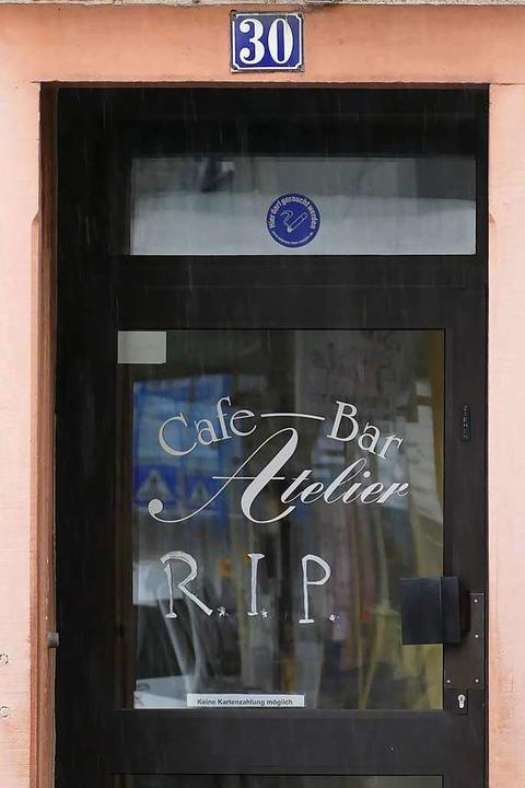 Ruhe in Frieden – ein Gruß der letzten Wirtin.    Foto: Peter Gerigk