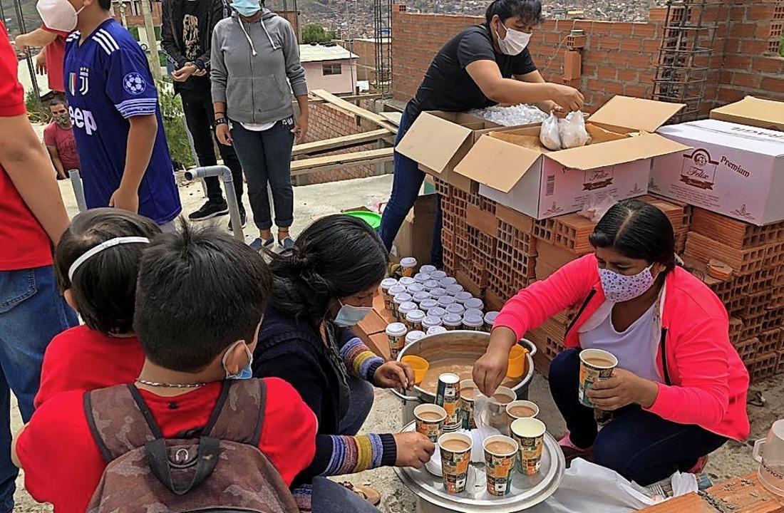 Mit den Spendengeldern des Perukreises konnten Essenspakete ausgeteilt werden.     Foto: Perukreis