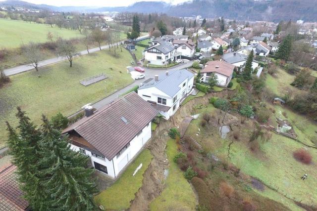 THW überwacht nach Erdrutsch in Schopfheim den Boden mit Sonden