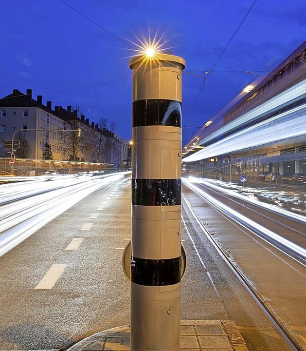 Kommt in Bad Krozingen erst mal nicht: Zwei Räte sind gegen Blitzer.  | Foto: Daniel Karmann (dpa)