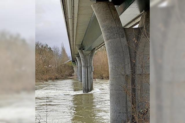 Rheinbrücke bleibt gesperrt