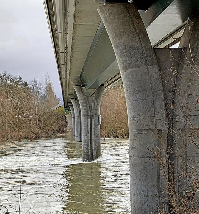 Rheinbrücke unter enormem Druck    Foto: Gemeinde Hartheim