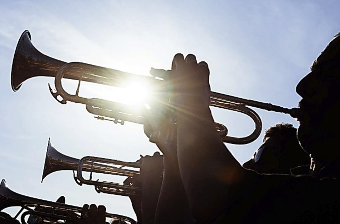 Die eigenständigen Orchester wollen zusammen spielen.    Foto: Gregor Fischer