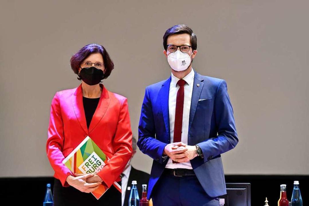 Christine Buchheit und Oberbürgermeister Martin Horn coronakonform nach der Wahl    Foto: Thomas Kunz