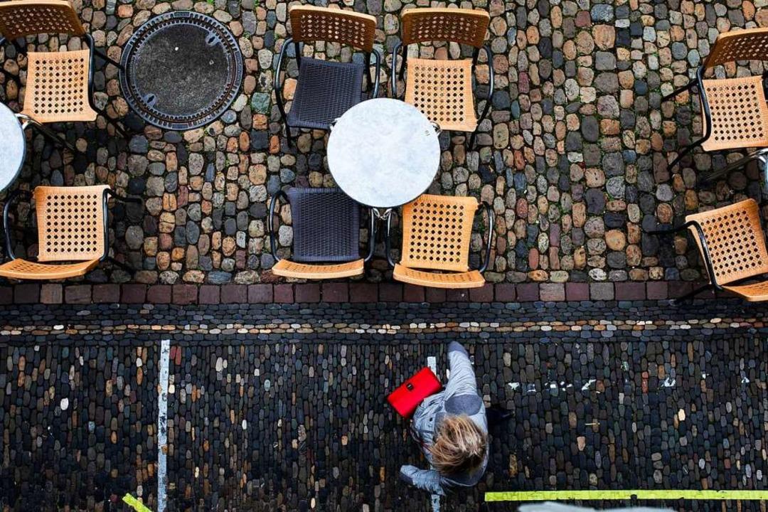 Wann darf hier wieder jemand Platz nehmen? Noch ist das ungewiss.  | Foto: Philipp von Ditfurth (dpa)