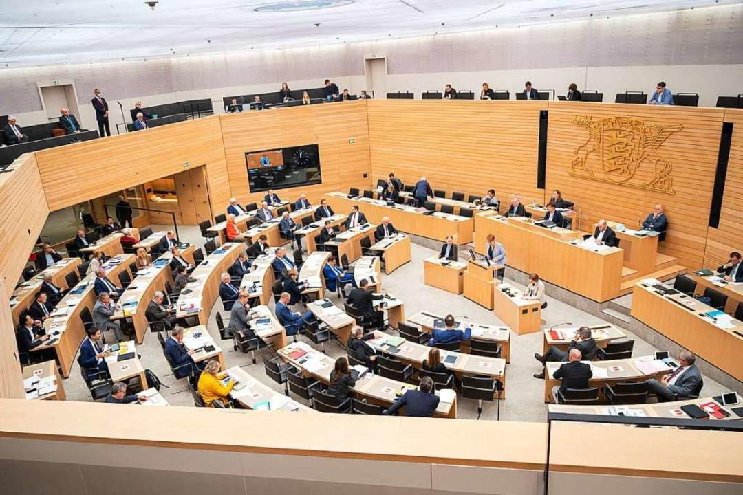Der Landtag in Stuttgart: Baden-Württe...d Sachsen-Anhalt liegen noch dahinter.    Foto: Sebastian Gollnow (dpa)