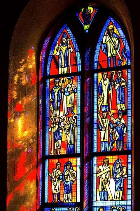 Mystische Stimmung im Chor der Blasiuskapelle im nachmittäglichen Sonnenlicht.    Foto: Helmut Rothermel