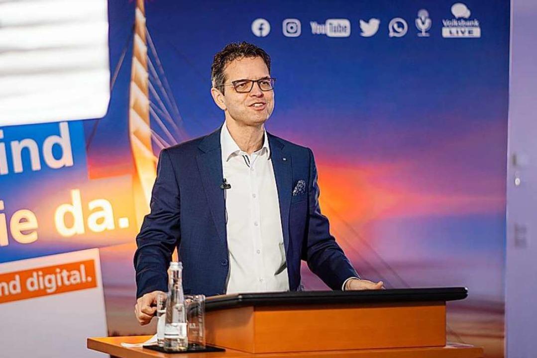Der Vorstandsvorsitzende Peter Rottene... der digitalen Bilanz-Pressekonferenz.    Foto: Volksbank