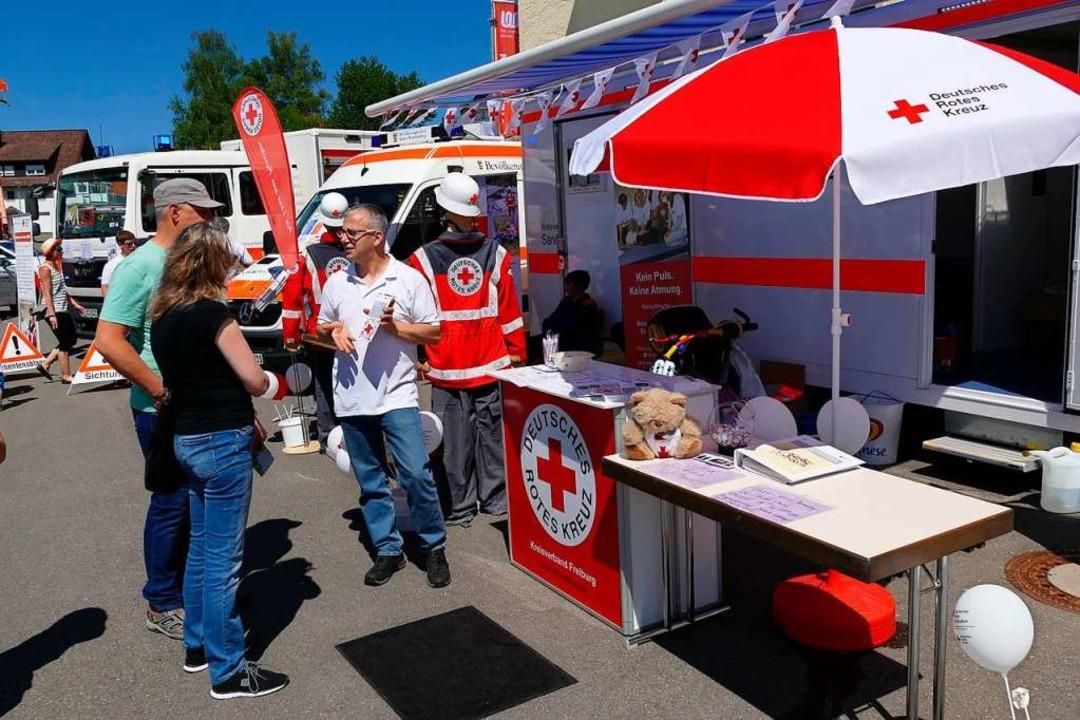 Neben vielen Firmen präsentieren sich ...tfindet,  auch einige Rettungsdienste.  | Foto: Martin Wunderle