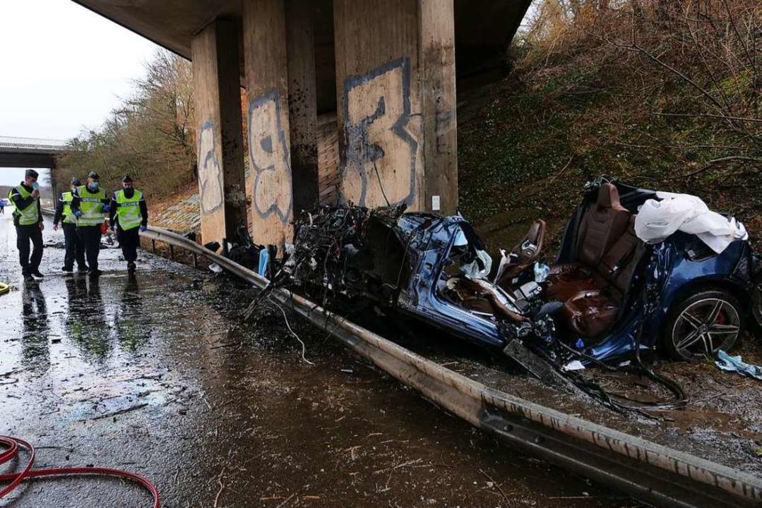 Vier Menschen sterben am Mittwochvormi...hen Mulhouse und der deutschen Grenze.  | Foto: kamera24.tv