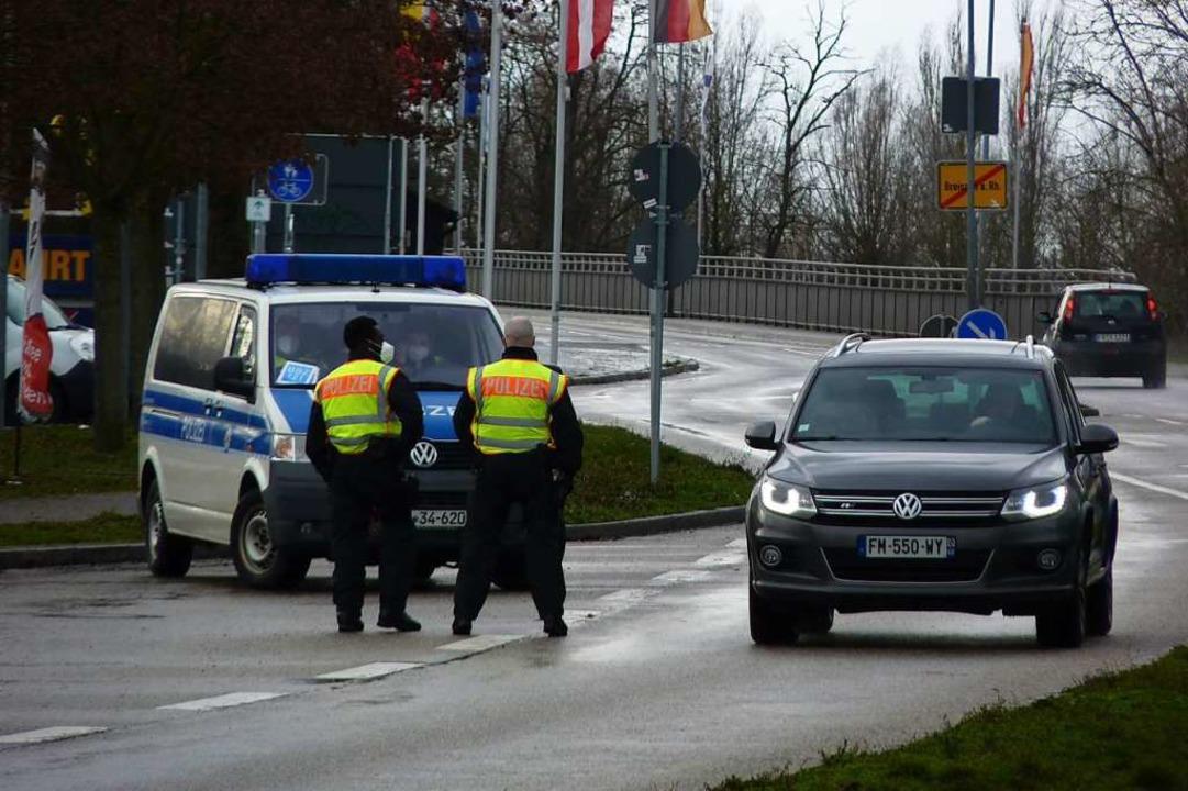 Breisach: Die Bundespolizei lässt die ...elligt nach Deutschland  weiterfahren.  | Foto: Sattelberger