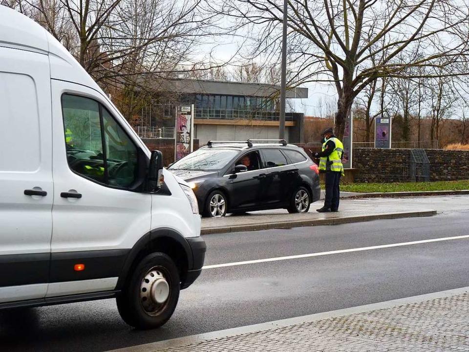 Vogelgrun: Die fanzösische Gendarmerie...gezogen, die Kontrollstelle aufgelöst.  | Foto: Sattelberger