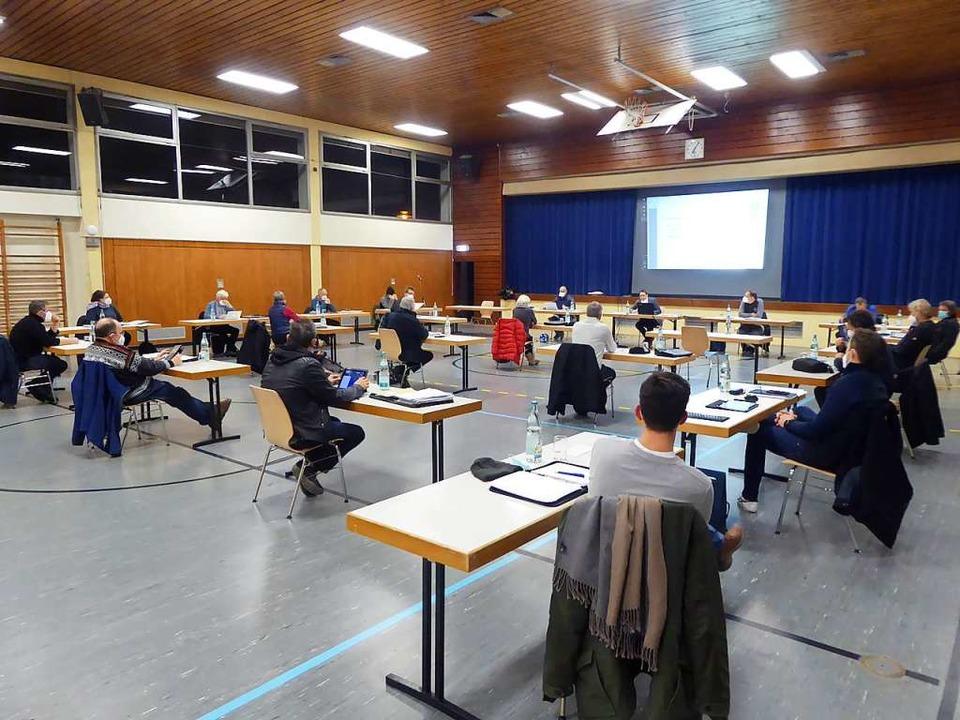 Seine Sitzungen hält der Marcher Gemeinderat derzeit in der Hugstetter Halle ab.    Foto: Manfred Frietsch