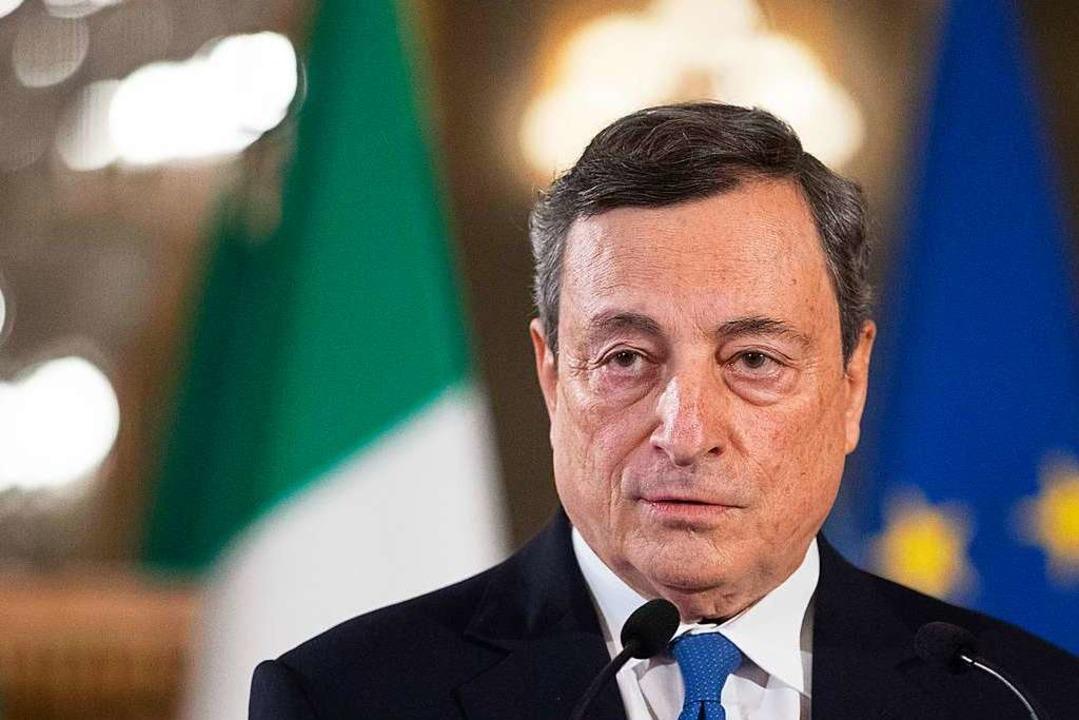 Staatspräsident Sergio Matterella  hat...zur Bildung einer Regierung übergeben.  | Foto: ALESSANDRA TARANTINO (AFP)