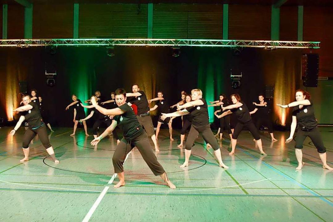 In Aktion – eine der Gymnastikgruppen um Claudia Stihler  | Foto: Privat