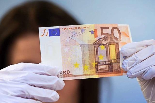 Mann bezahlte mit chinesischem Spielgeld, das täuschend echt aussah