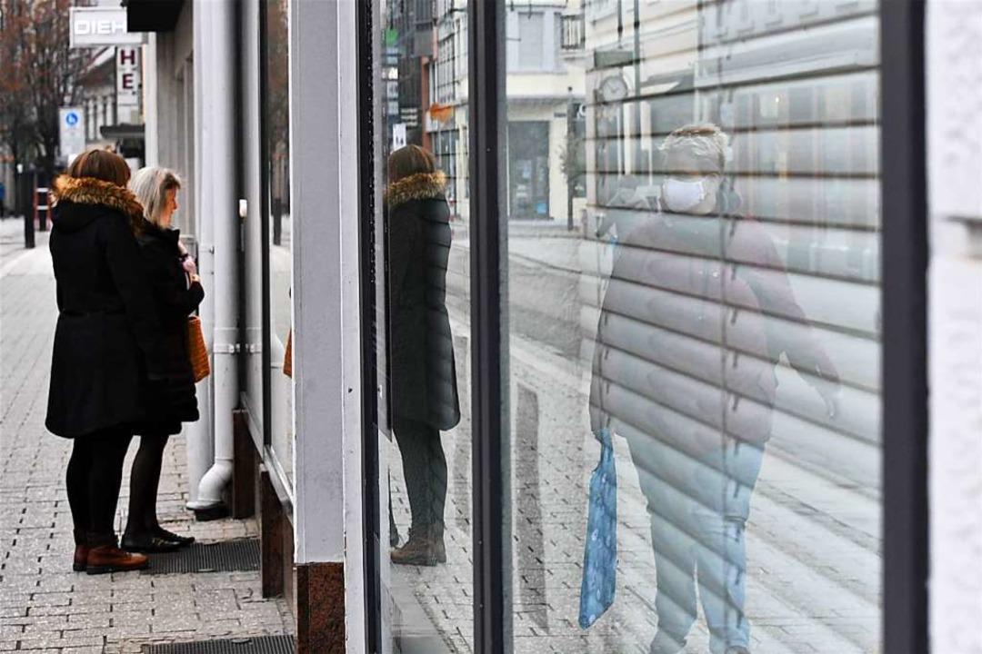 Geschlossene Geschäfte – das ist keine Einladung zum Schaufensterbummel.  | Foto: Barbara Ruda