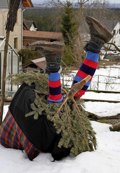 Aus dem  Weihnachtsbaum ist bei Andrea...lder aus Oberbränd eine Hexe geworden.    Foto: Gert Brichta